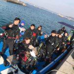 葉山 ダイビング ナナツアー 集合写真 ボート